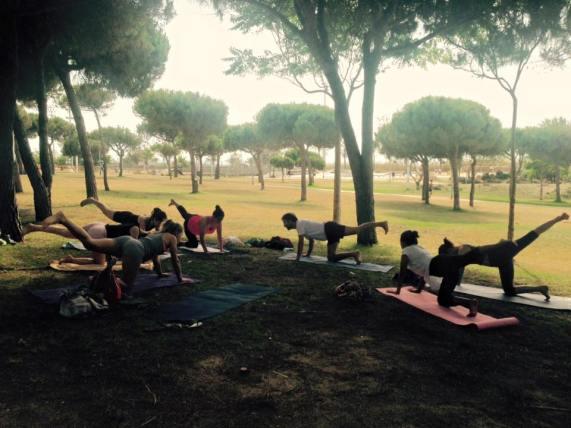 yoga-poblenou-aire-libre