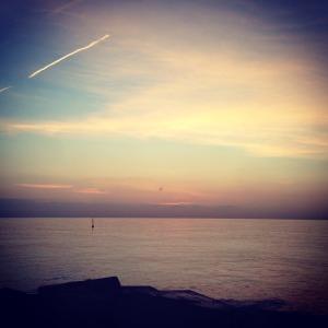 Yoga y Playa con la puesta del sol Barcelona